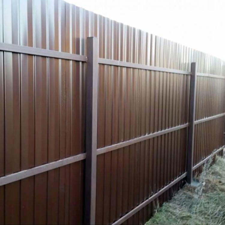 Забор для дачи из профнастила в СПб