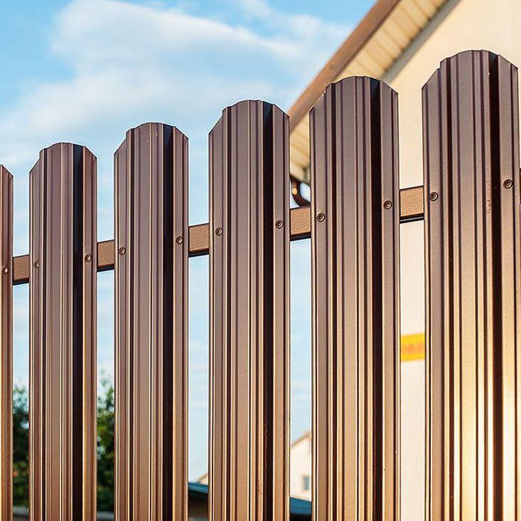 Забор для дачи из евроштакетника в СПб