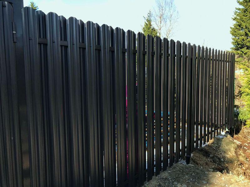 Забор из Металлического штакетника от производителя в СПб