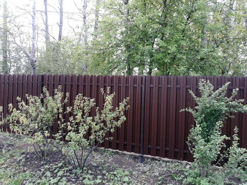 Забор для дачи из евроштакетника в Санкт-Петербурге