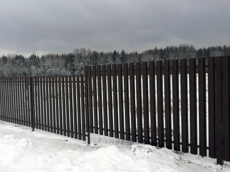 """Забор для дачи из евроштакетника """"под ключ"""" в СПб"""