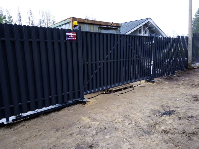 Купить Забор из евроштакетника в СПб