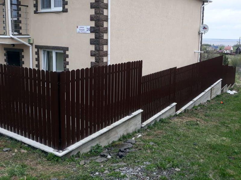 Забор из евроштакетника в Санкт-Петербурге
