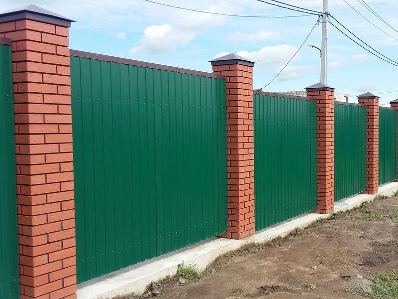 Забор для дачи из профлиста в СПб